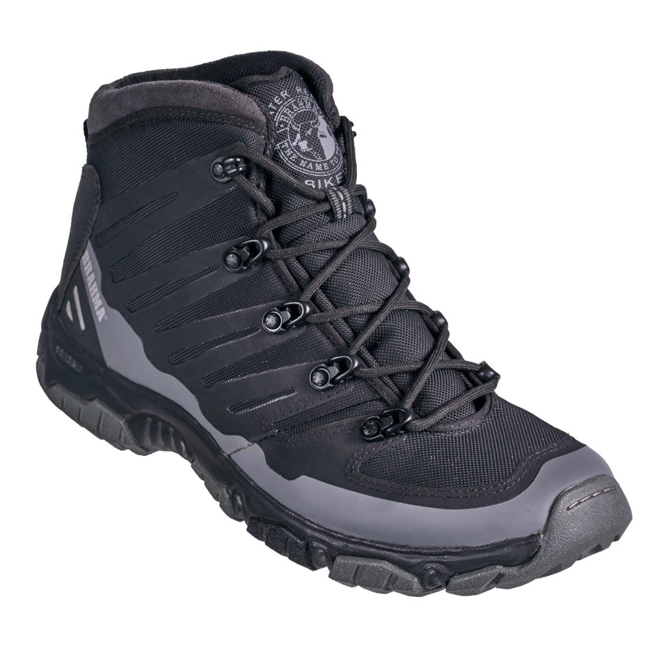 TF2590 Hikers